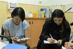 藝人譚艾珍母女互為見證人  預立醫療不留遺憾