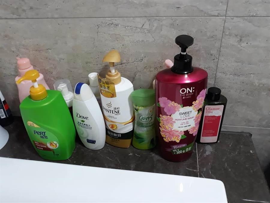 丈夫最近洗完澡身上都超香,忍不住跟老婆大讚「這牌沐浴乳又香又持久」 (圖/翻攝自爆怨公社)
