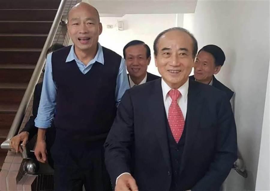 前立法院長王金平(右)和高雄市長韓國瑜(左)。(圖/本報資料照,劉宥廷攝)