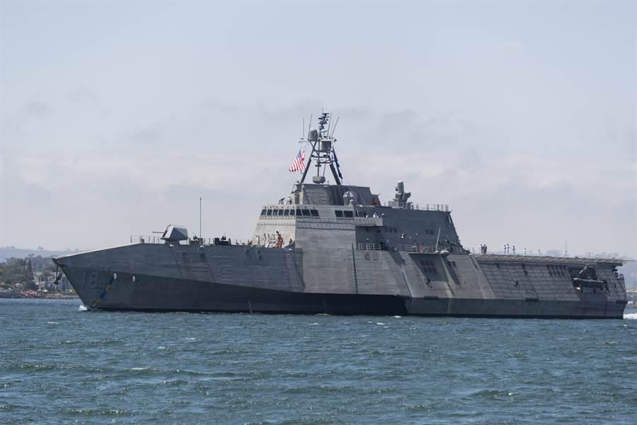 美瀕海戰艦被稱為是美軍有史以來最失敗的計劃,美國國會終於決定讓此開發案進入日落程序,除短期內實現的少數任務模組外,不再投入開發資金。圖為獨立級查爾斯頓號瀕海戰艦。(圖/美國海軍)