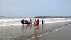5人海泳只帶一支浮標 游不回岸驚動消防救援