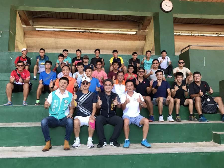 運動局長李昱叡表示,市府將持續提升網球訓練與比賽場地,讓選手能從小就開始培訓,推展健全的四級銜接制度。(陳世宗攝)