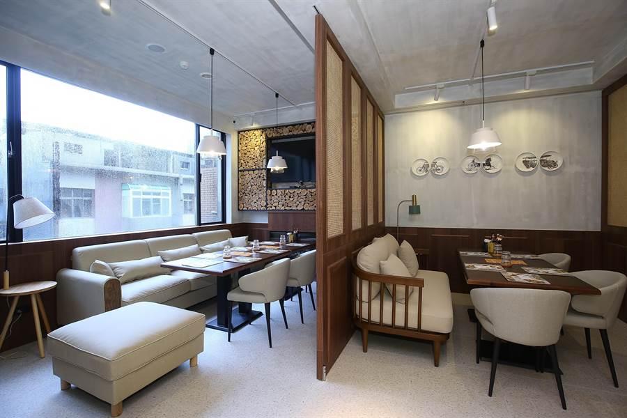 在「貳樓」餐廳許多空間角落,都會置入「居家」元素,讓客人感覺自在溫暖。(圖/貳樓)