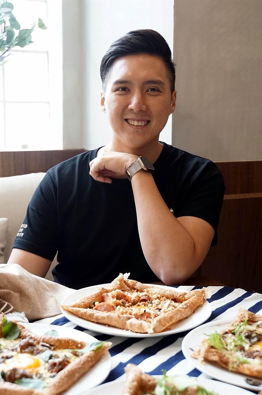 貳樓餐飲集團創辦人兼董事長黃寶世,創業至今已成功開出13家「貳樓」餐廳,集團總營收自2017年起即突破6億元。(圖/姚舜)