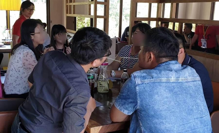 台中市政府15日在北屯區樂尼尼餐廳舉辦「夏一站•幸福」單身民眾聯誼活動。(陳世宗翻攝)