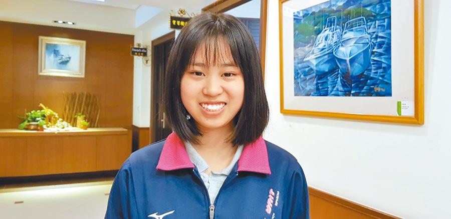 就讀二信高中的紀媛同學,錄取國防大學財務管理系。(張穎齊攝)