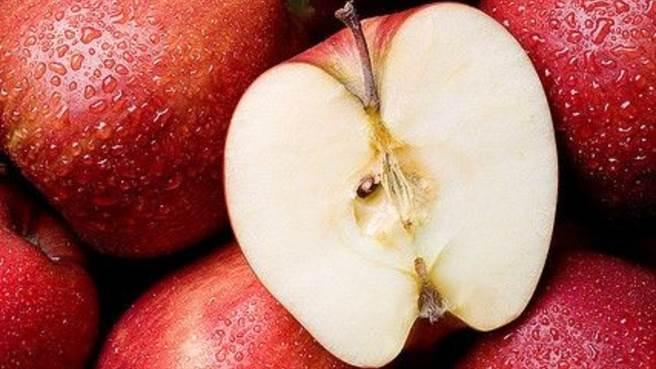 晚上吃蘋果有毒?營養師分析兩個時間吃最好