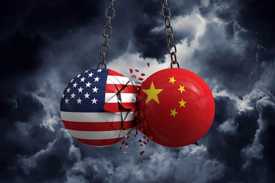 專家指出,人民幣匯率貶值,已扺銷美國加關稅帶來的衝擊。(達志影像/Shutterstock)