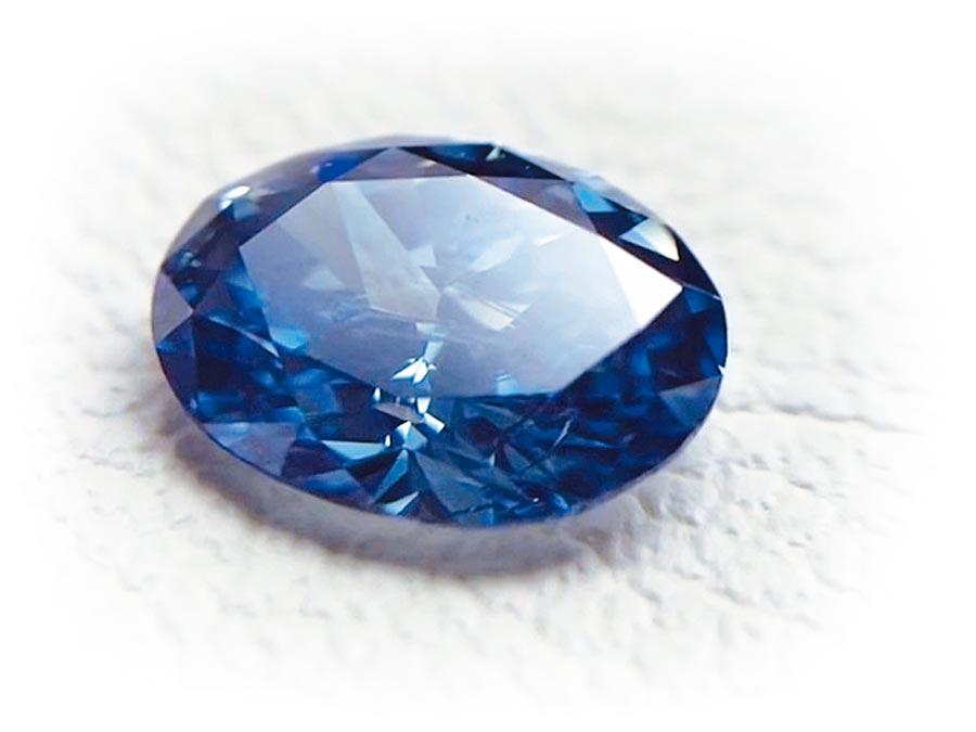 瑞士公司Algordanza的骨灰鑽石成品。(摘自Algordanza)