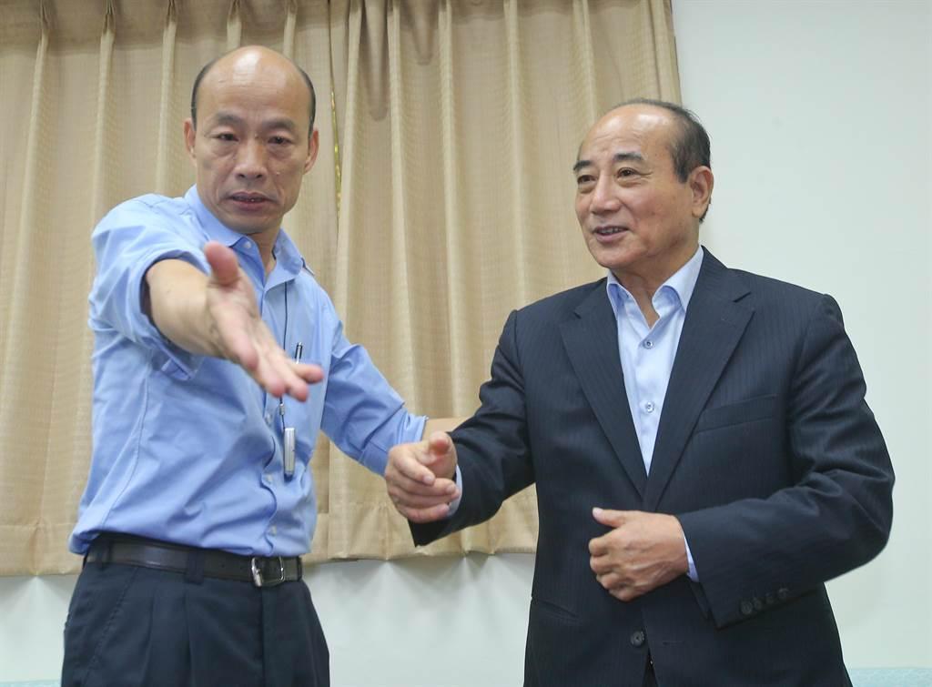高雄市長韓國瑜(左)、前立法院長王金平(右)。(圖/本報系資料照)