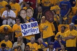 NBA》勇士強留KD 恐被豪華稅壓垮