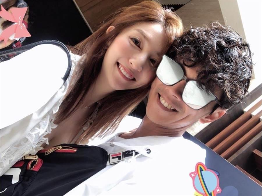 Grace與阿翔在爆出謝忻婚外情之前,時常放閃。(取材臉書)