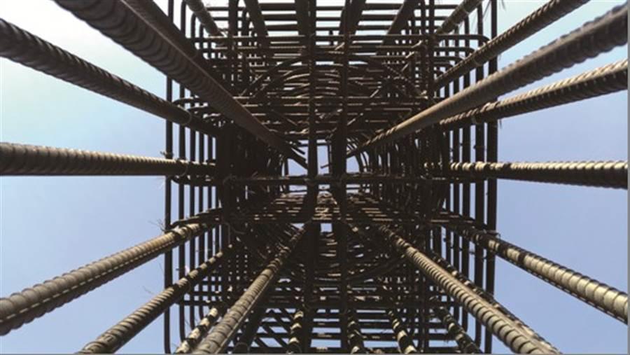 戴雲發Alfa Safe柱中柱耐震系統工法示意圖。圖/業主提供