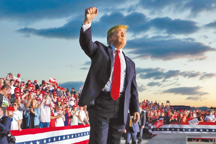 面對民主黨來勢洶洶的挑戰,美國總統川普18日將在佛州奧蘭多舉行超級群眾大會,正式揭開2020競選連任的序幕。(美聯社)