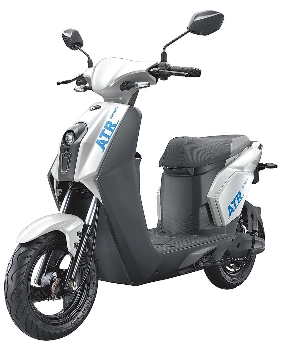 KYMCO COZY ATR好騎又可愛,學生為主要消費族群,今年加入Ionex車能網平台,是目前市場上首款電池交換的電動自行車。(KYMCO提供)