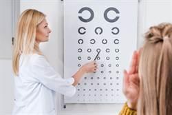 蓋筆蓋能改善視力 女星實測一周效果驚人
