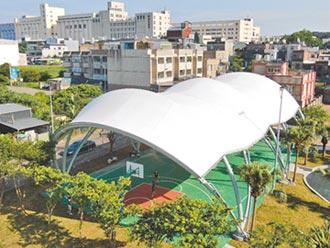 新富公園增設天幕球場 啟用