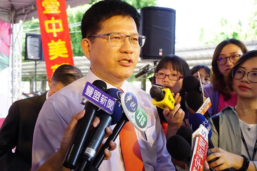 交通部長林佳龍日前回應長榮罷工是「民主政治裡面,勞資協商的方式之一」,呼籲「勞資一體、善待彼此」。(王文吉攝)