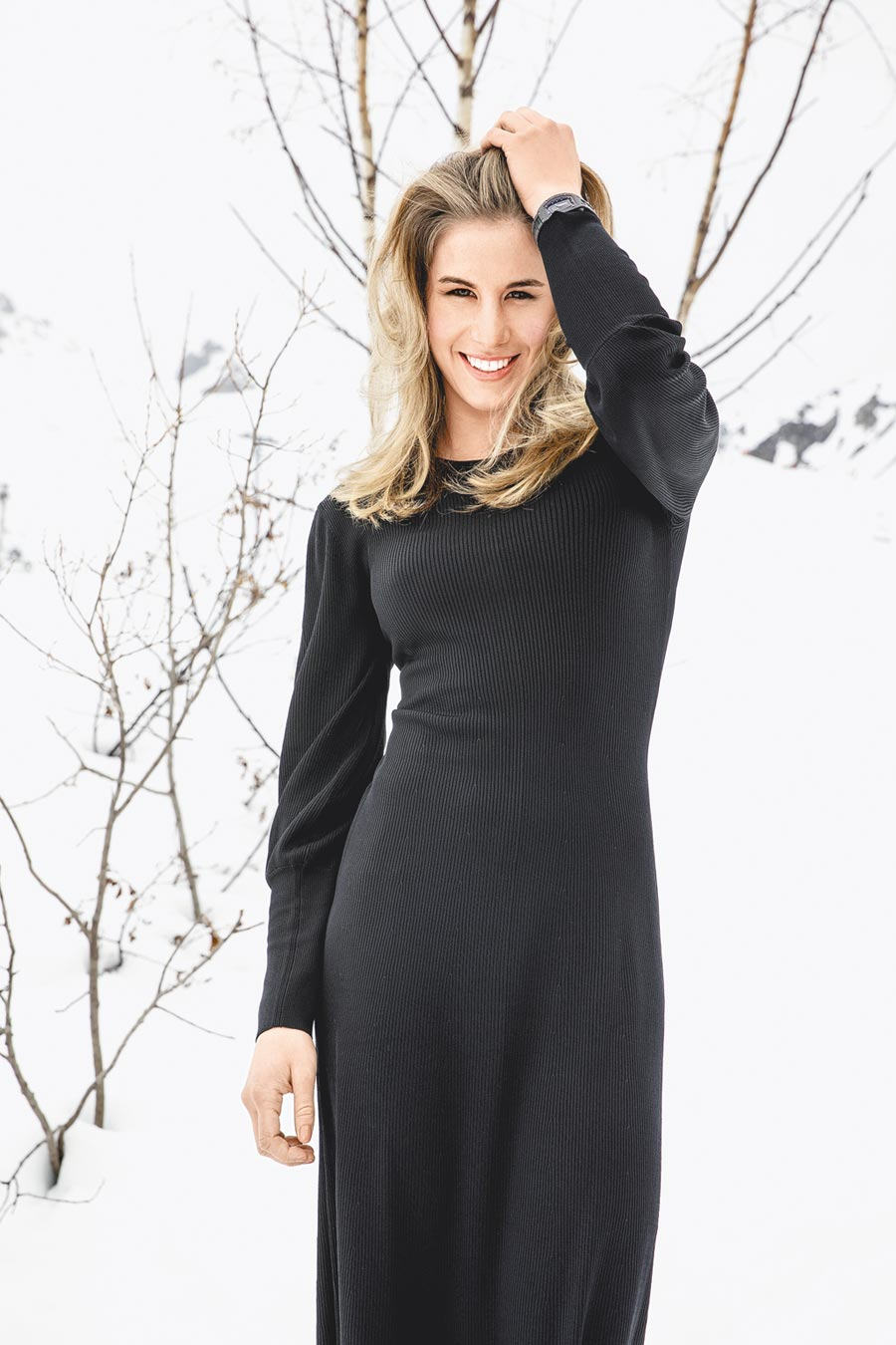 滑雪女將Ester Ledecka佩戴RM 07-01碳纖維腕表,搭配碳纖維表帶。(Richard Mille提供)