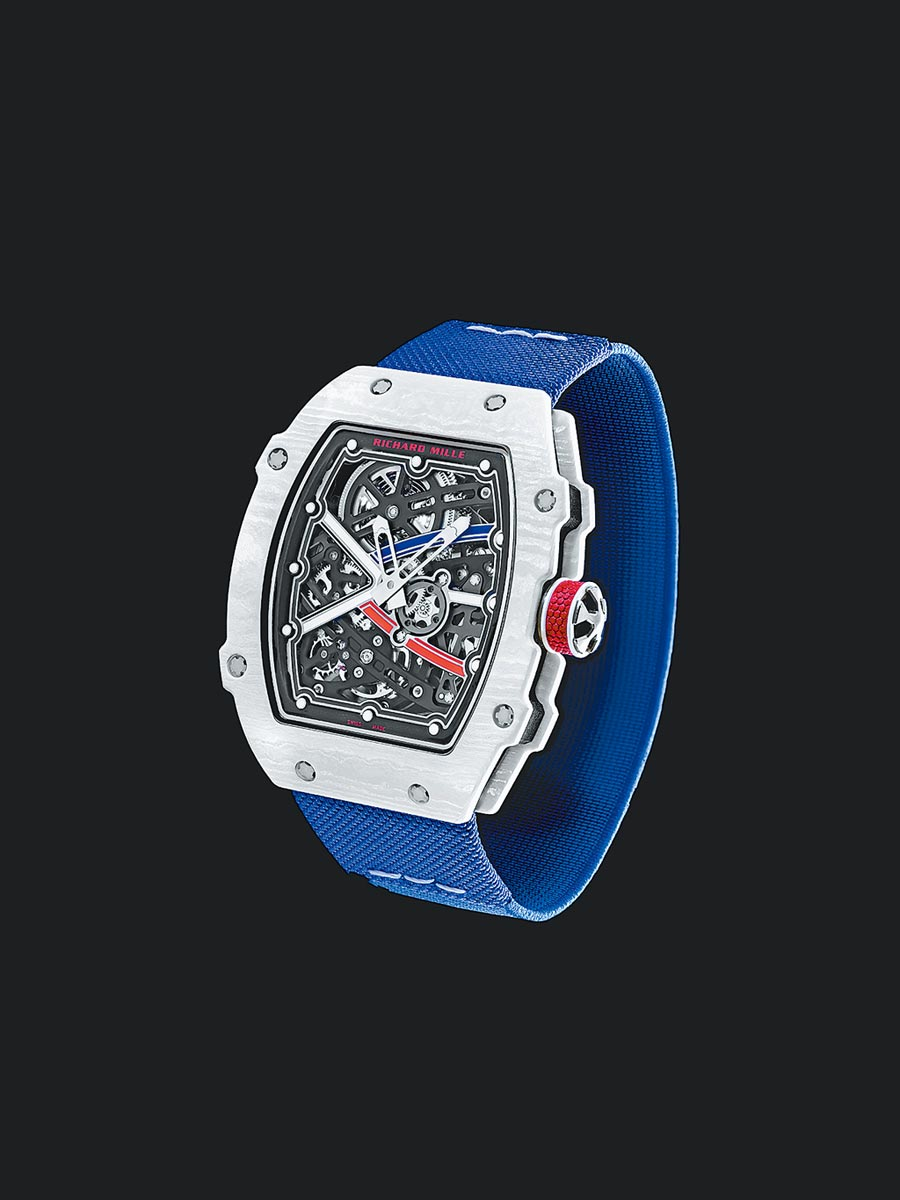 Richard Mille的RM 67-02 Alexis Pinturault腕表也可搭配碳纖維表帶,圖為帆布表帶款約452萬元。(Richard Mille提供)