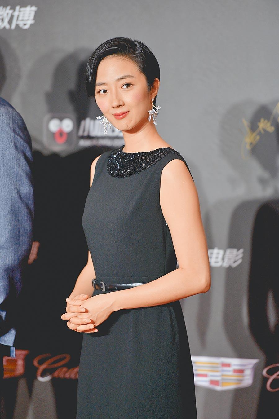 桂綸鎂以簡單黑裙洋裝彰顯氣質。(CFP)