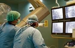 心肌梗塞無CPR自行送醫 奇蹟搶救成功康復出院