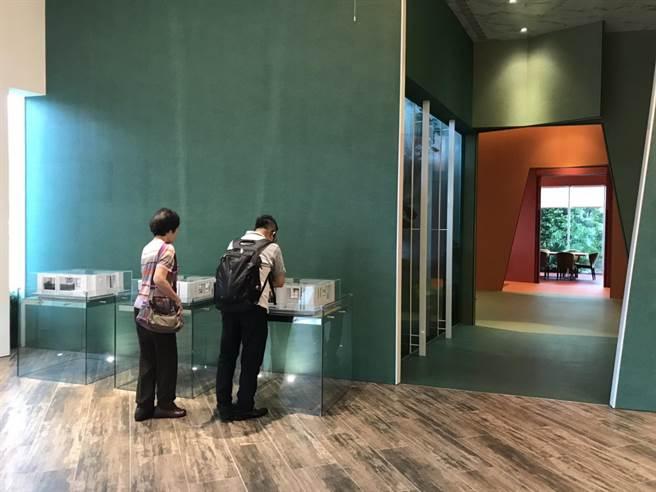 「遠雄之星7」平日就有大量來客,近期更發現賞屋民眾中,香港來客明顯增長。(盧金足攝)