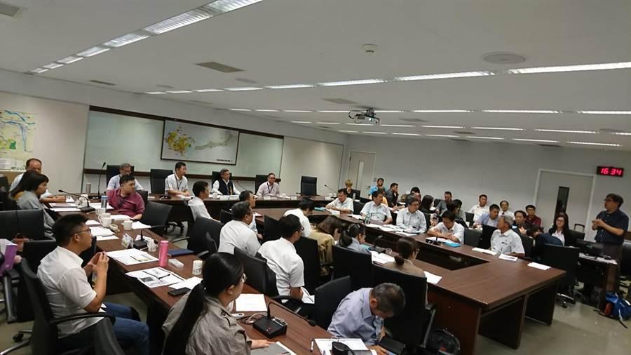 台中市府舉行「台中綠美圖新建工程施工前協調會議」,預定今年9月動工,2022年完工啟用。(盧金足攝)