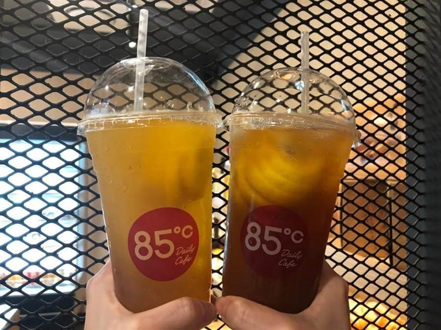 85度C一顆檸檬系列飲品,祭出第2杯特價10元促銷。圖:85度C