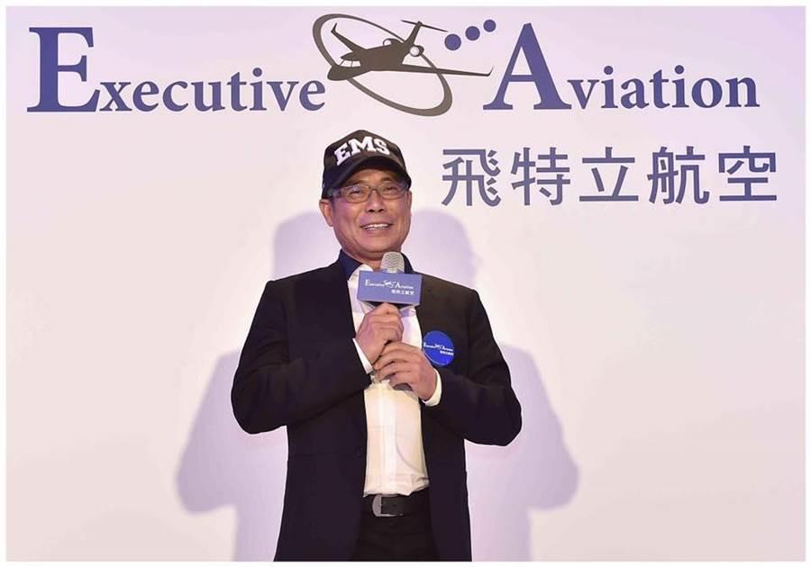 楊宿智是飛行的愛好者,40歲開始學飛行。圖:取自飛特立臉書