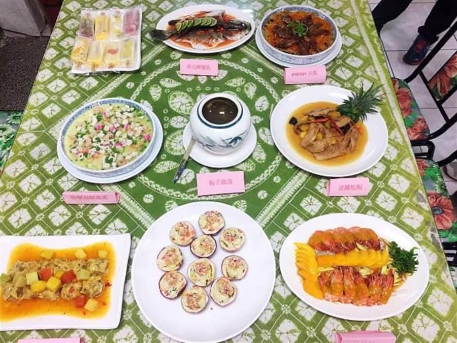 配合台南國際芒果節,楠西區推出「芒香百果風味宴暨放山雞美味料理饗宴」,即日起開放報名訂位,限量40桌,額滿為止。(劉秀芬翻攝)