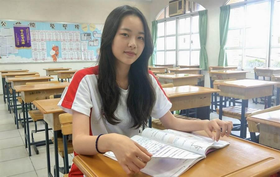 五育高中許雅婷,希望將來學成後,回到蘇州開美容院。(廖志晃攝)