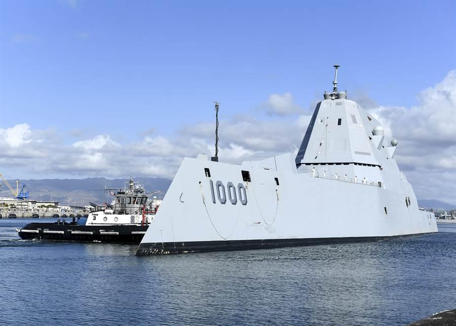 美軍新一代戰艦雛型已確定為最具未來感的DDG-1000朱瓦特艦。(圖/美國海軍)