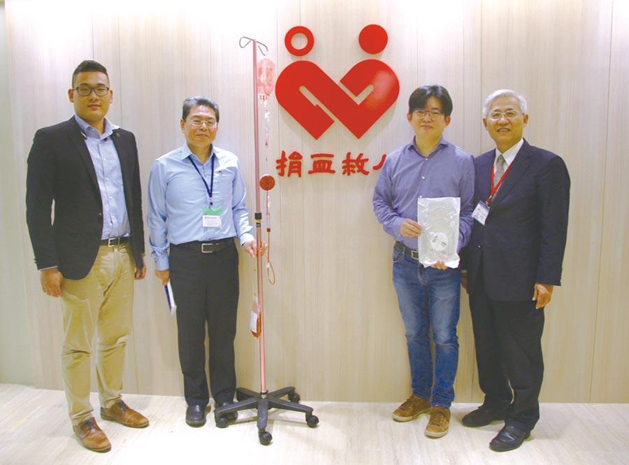 普瑞博生物科技創辦人張雍(右二)及總經理陳彥文(左一)受邀至捐血中心演講。圖/利漢民