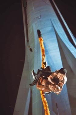 張晉澳門旅遊塔玩命 338m高樓肉搏拳王