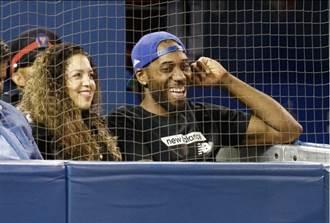 影》里歐納德看棒球 藍鳥觀眾振奮!
