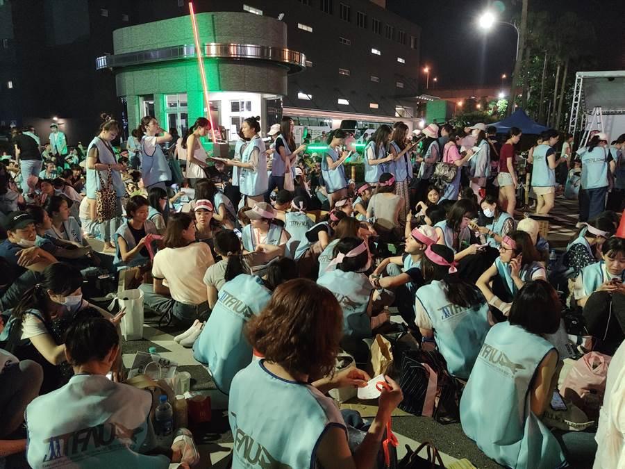 桃園市空服員職業工會20日宣布罷工,預計長期抗戰。(賴佑維攝)