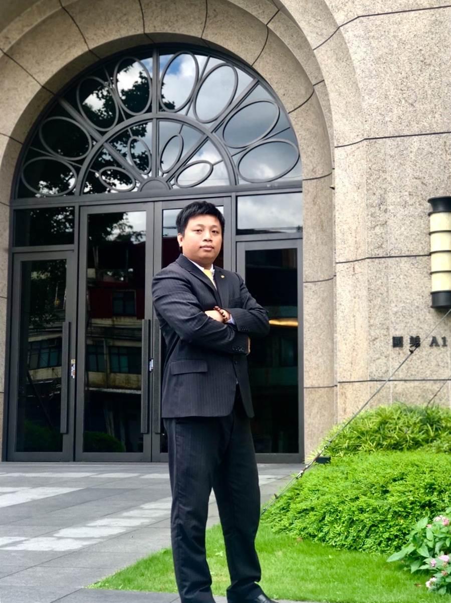 陳耀安熱衷參與社區大小事,獲得社區居民一致好評。