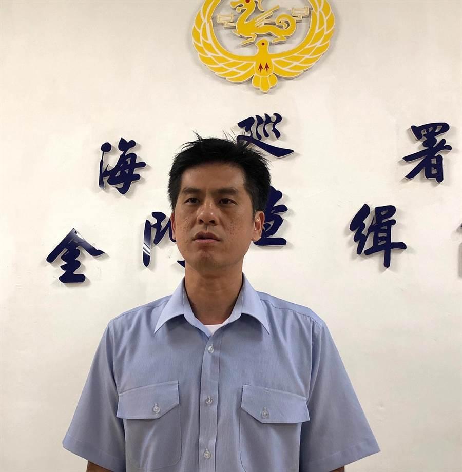 金門查緝隊組主任蔡永榆強調,全案繼續深入追查中。(李金生攝)