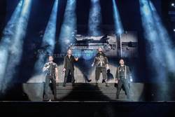 男孩特區與台粉道別 最終場演唱會中文說「謝謝」