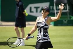 法網冠軍勝謝淑薇搭檔 加冕球后差一步