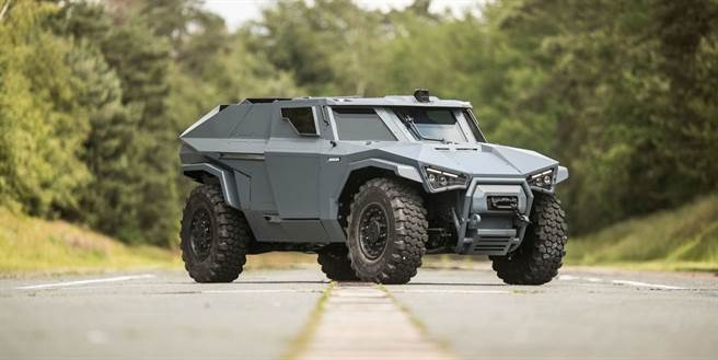 由Volvo法國子公司Arquus設計的輕裝甲戰鬥車,有蝙蝠俠座駕風格。(圖/Arquus)