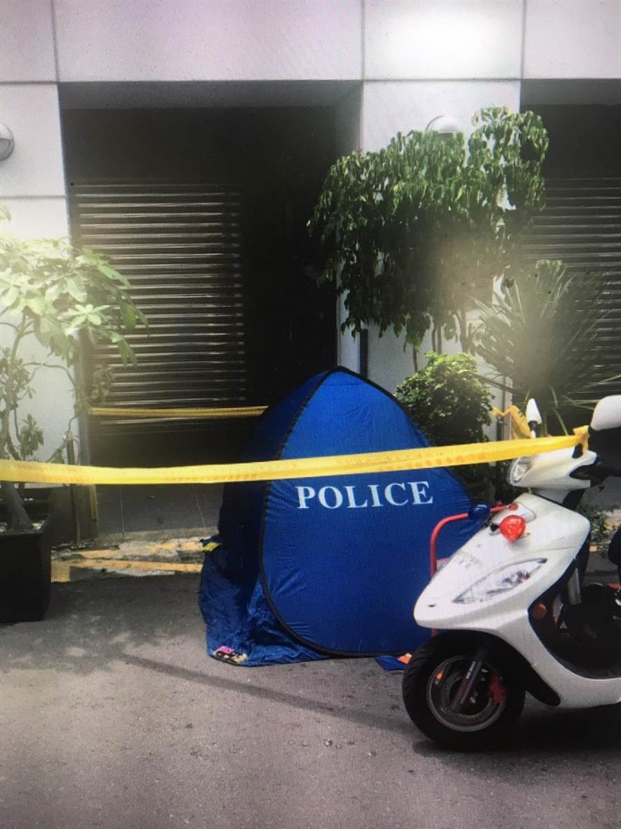 油商陈世宪22日上午从公司6楼跳楼自杀,路人惊慌报警。(袁庭尧翻摄)