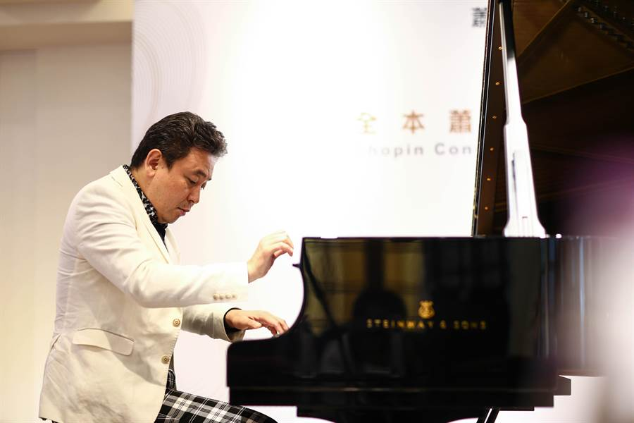 蕭邦鋼琴大賽得主橫山幸雄來台,將挑戰一口氣彈兩首蕭邦鋼琴協奏曲,以及多首蕭邦作品。(鄧博仁攝)