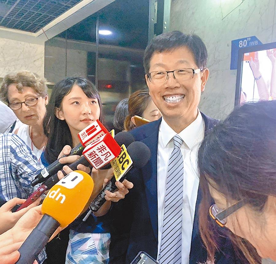 郭台銘卸下鴻海董事長,由劉揚偉接下重擔。(鴻海提供)
