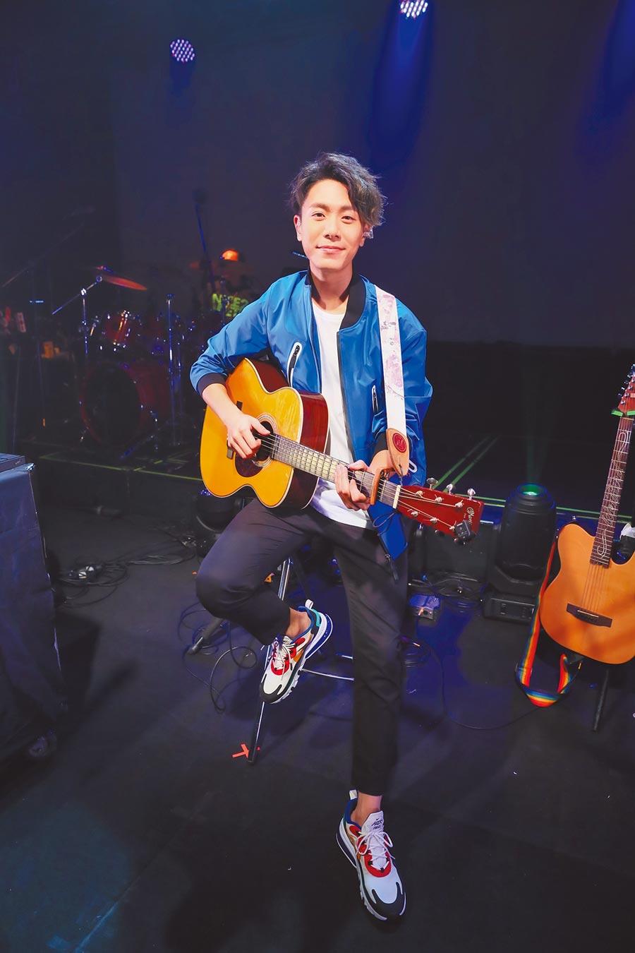 韋禮安昨在台北Legacy開唱。