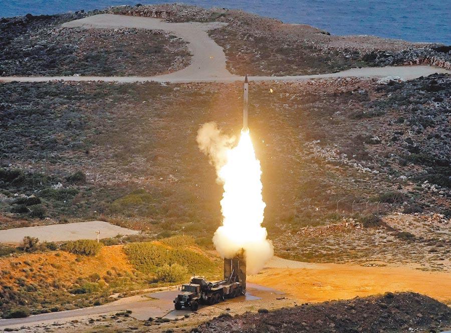 希臘舉行軍事演習,發射俄羅斯S-300 PMU-1防空飛彈。(CFP)