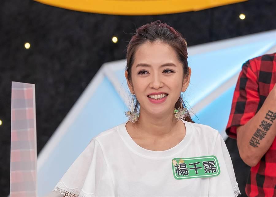 楊千霈心裡掛念女兒,仍秉持敬業精神努力工作。(TVBS提供)