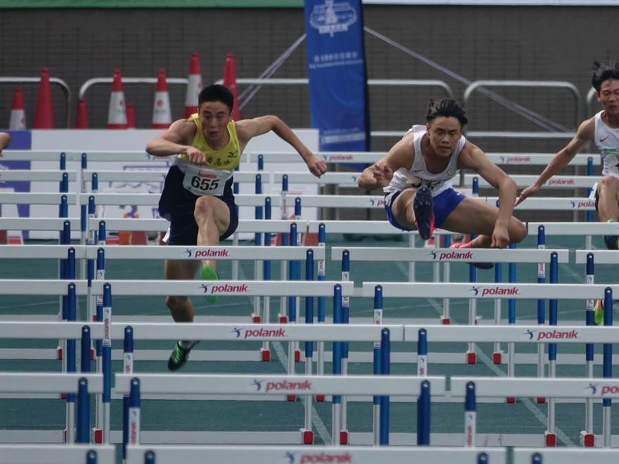 盧浩華(中)在香港城市田徑錦標賽青男110公尺跨欄摘金。(中華田協提供)