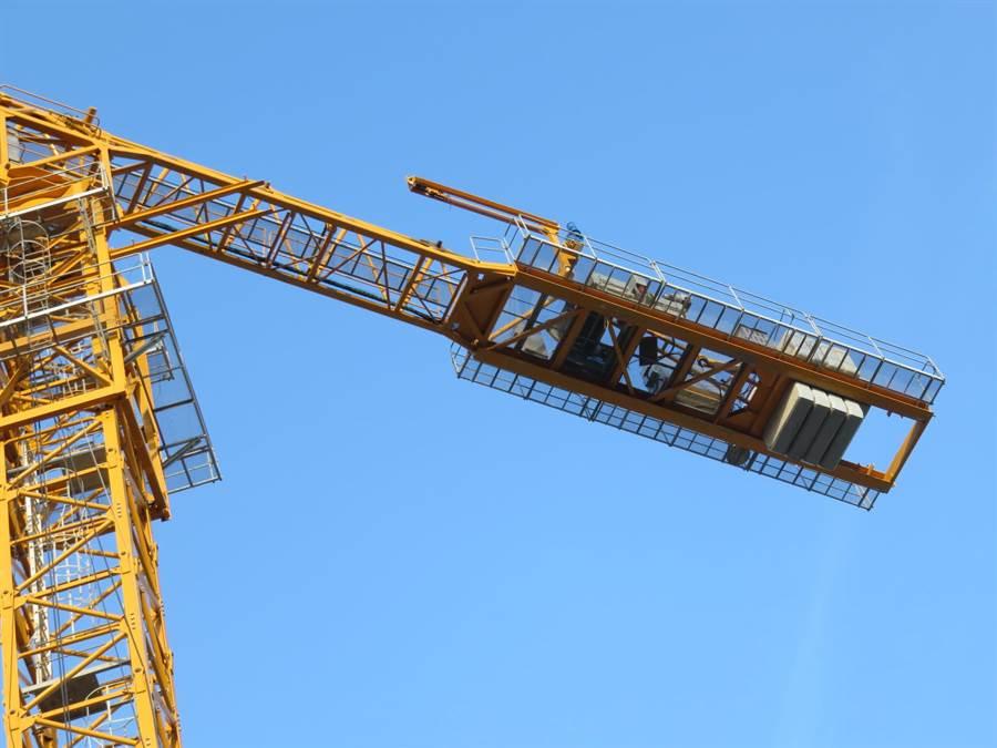 塔吊作業風險高,台中市府呼籲落實標準作業程序。(圖/台中市府提供)